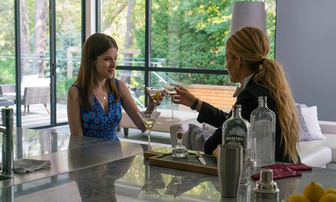 Anna Kendrick and Blake Lively in A SIMPLE FAVOUR (2018)