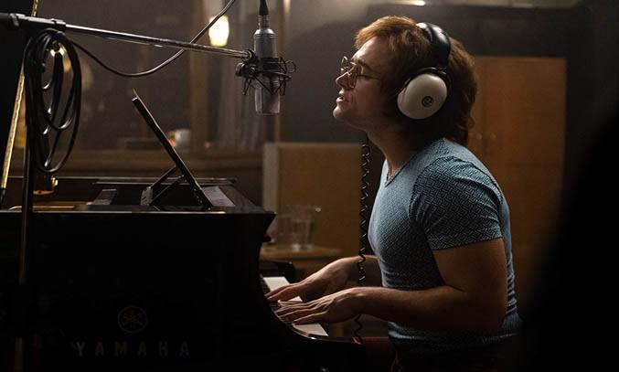 Taron Egerton as Elton John in ROCKETMAN (2019).