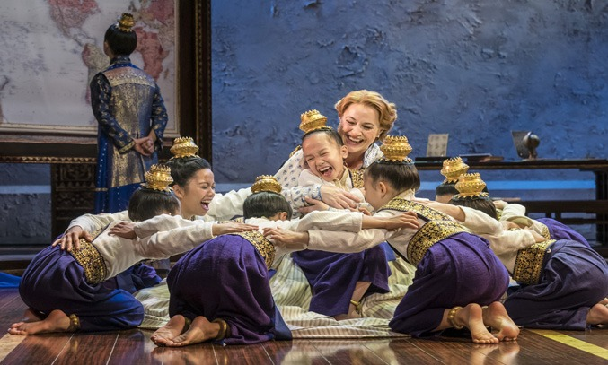 Annalene Beechey (Anna) with Royal Children in THE KING AND I UK Tour