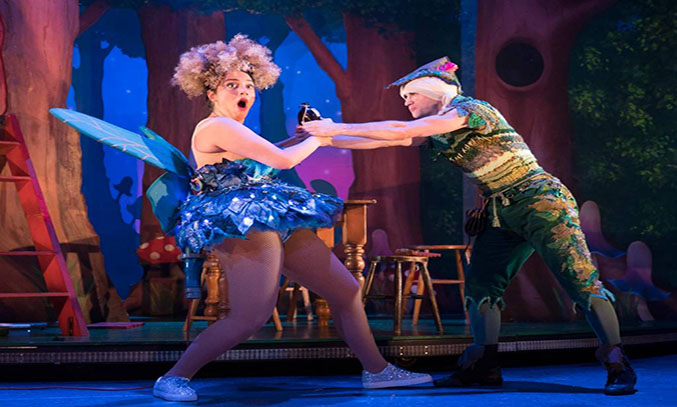 The cast of PETER PAN GOES WRONG UK Tour.